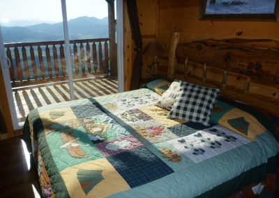 lower_level-king-bed_master-BR